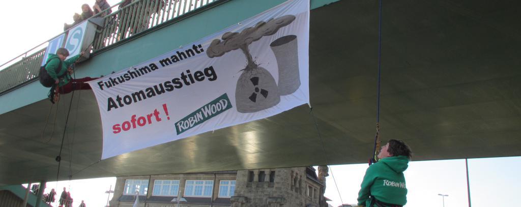 Fukushima mahnt - Demontration in Hamburg am 11.03.2017