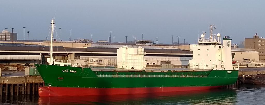 Atomschiff Link Star im Hamburger Hafen am 28.3.2019