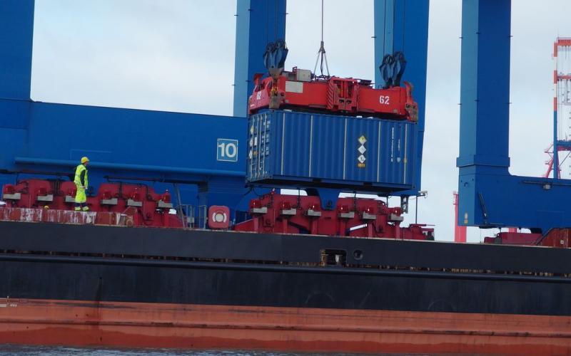 Atomtransport durch Hamburger Hafen