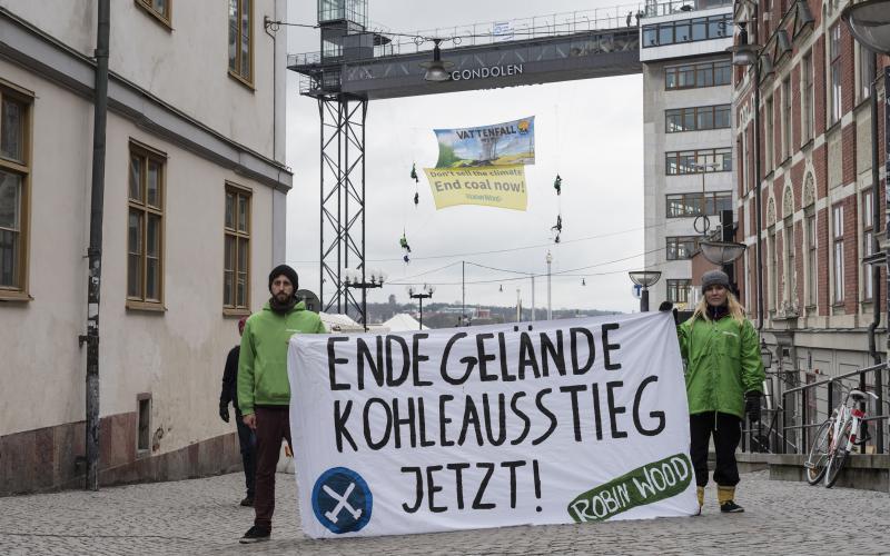 Protest von ROBIN WOOD-Aktiven in Stockholm gegen Vattenfalls Energiepolitik 2016