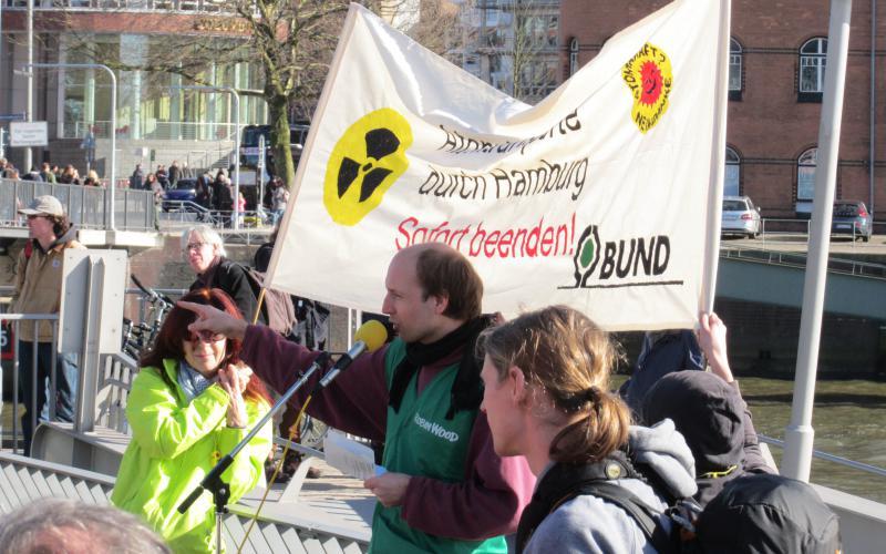 Fukushima mahnt - Demonstration in Hamburg am 11.03.2017