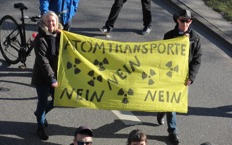 Fukushima mahnt - Demonstration in Hamburg am 11.03.2017
