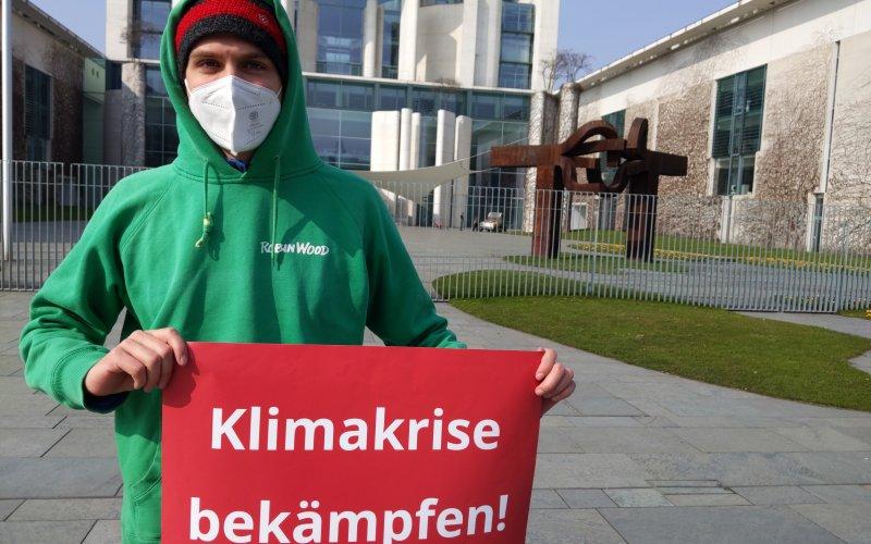 Protest vor dem Kanzlerinnenamt