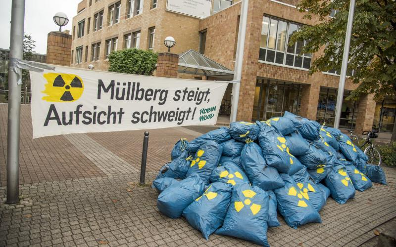 Protest vor Umweltministerium in Stuttgart, Oktober 2015