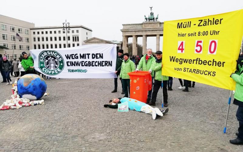 Foto Becher-Aktion Berlin Müllzähler