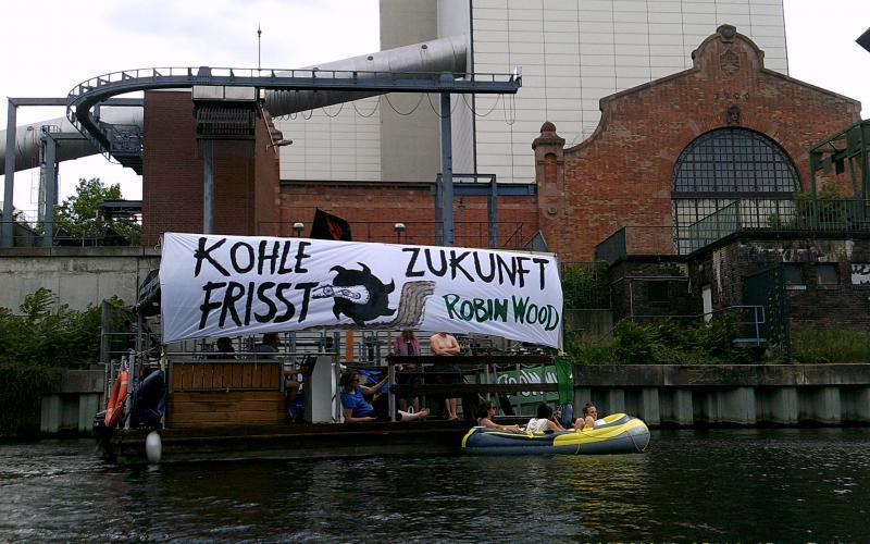 coal and boat demo 2018