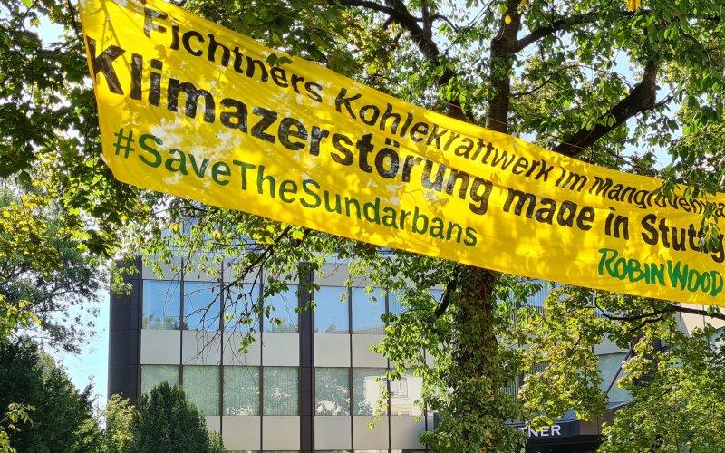 Kletteraktion vor der Fichtner Zentrale in Stuttgart