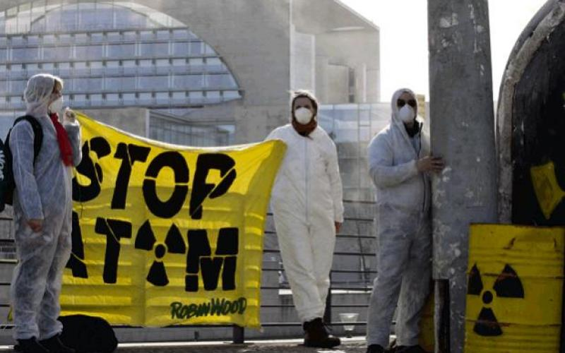 ROBIN WOOD-Antiatom-Aktion in Berlin, März 2011